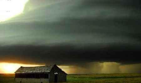 عکس هایی حیرت آور دیدنی از یک طوفان نادر
