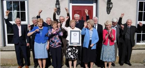 با پیرترین خانواده دنیا آشنا شوید (عکس)