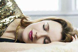 قابل توجه خانم های هیچ وقت با آرایش نخوابید