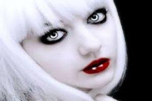 آرایش های بسیار عجیب دختران با تیغ (عکس)