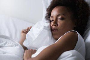 دلایل عمده بی خوابی در خانم های مسن