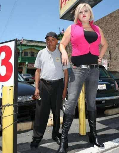قویترین دختر دنیا با اندامی جالب و دیدنی (عکس)