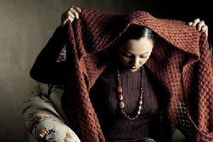 واکنش چکامه چمن ماه به جایزه مهراوه شریفی نیا و پاسخ وی(عکس)
