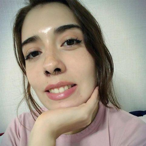 مد جدید و عجیب اکستنشن موی بینی در دختران (عکس)