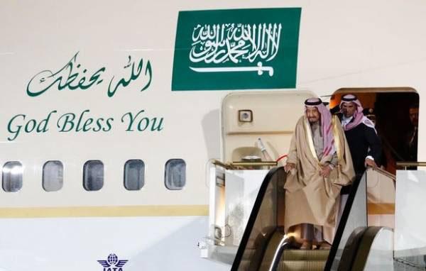 راه پله طلایی و لوکس پادشاه عربستان (عکس)