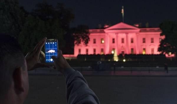 کاخ سفید تبدیل به کاخ صورتی شد (عکس)