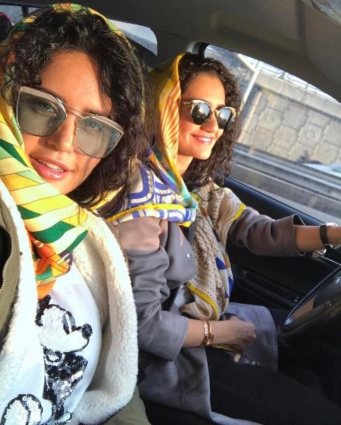 تیپ جالب الناز شاکردوست و خواهرش در تهرانگردی (عکس)