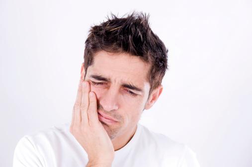 بهترین مسکن های گیاهی برای درمان درد دندان