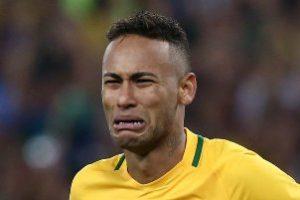 نیمار فوتبالیست مشهور بخاطر شایعات به گریه افتاد(عکس)