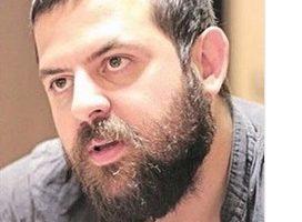 اعتراض تند هومن سیدی به وضع مسکن مهر در زلزله کرمانشاه (عکس)