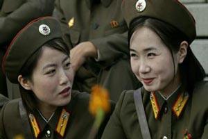 کشوری که دخترانش 7 سال سربازی می روند ! + تصاویر