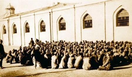 سنگ دل ترین زندان بان های تاریخ ایران (عکس)