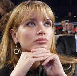 بازگشت جنجالی زن بازیگر فیلم مستهجن به سیاست