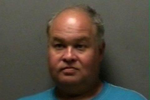 دستگیری مردی درحال خود ارضایی با دستگاه خودپرداز
