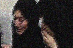 تجاوز بی رحمانه به یک زن در مقابل شوهرش (عکس)