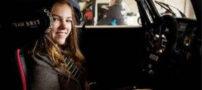دختری بدون دست و پا قهرمان اتومبیلرانی (عکس)