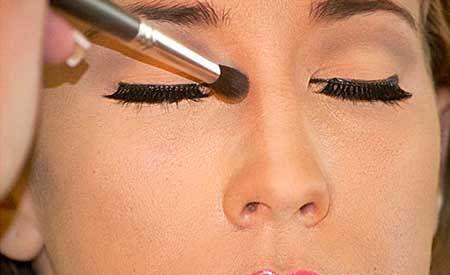 تکنیک های آرایشی برای خوش فرم کردن بینی