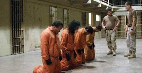 اعتراف گیری و شکنجه زندانیان در امریکایی (عکس)