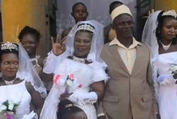 ازدواج همزمان این مرد 50 ساله با سه دختر (عکس)
