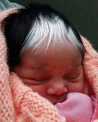 این نوزاد با موهای عجیبش همه را شوکه کرد (عکس)