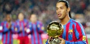 رونالدینیو و خداحافظی رسمی اش از فوتبال (عکس)