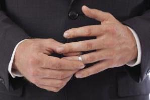 8 عامل اصلی که باعث خیانت مردها میشود