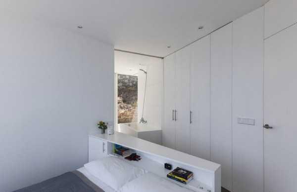 معماری خیره کننده این خانه در ساحل مدیترانه