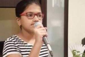 توانایی شگفت انگیز این دختر جوان در خوانندگی (عکس)