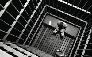 ماجراهایی جالب از حبس زندانی های بی گناه (عکس)