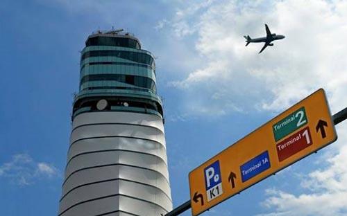 گاز روده یک مسافر باعث فرود اضطراری هواپیما شد (عکس)