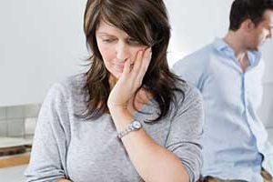 10 نشانه اینکه شوهرتان به شما خیانت میکند