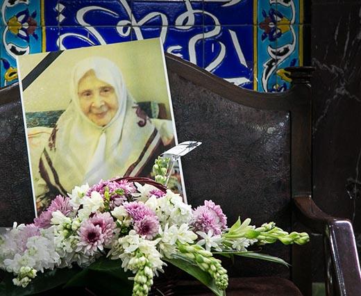 حضور ترانه علیدوستی در یادبود مادر زهرا رهنورد (عکس)