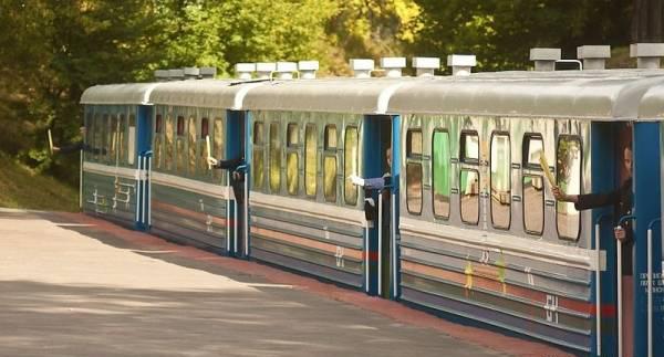 عکس هایی از عجیب ترین ایستگاه راه آهن