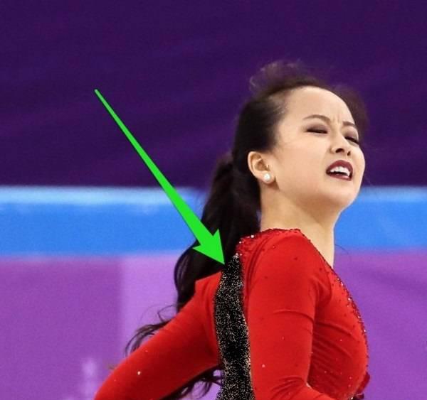 پاره شدن لباس این خانم وسط مسابقات المپیک (عکس)