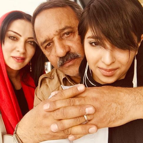 عکس جدید زوج بازیگر ایرانی و دخترشان در نوروز 97