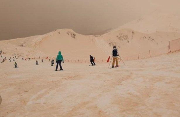 بارش عجیب برف نارنجی در روسیه و علت علمی آن (تصاویر)