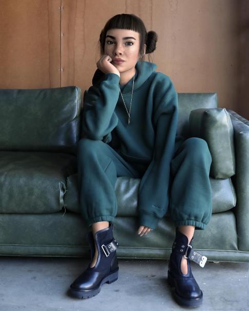 دختر مدل جذاب اینستاگرام قلابی از آب در آمد (عکس)