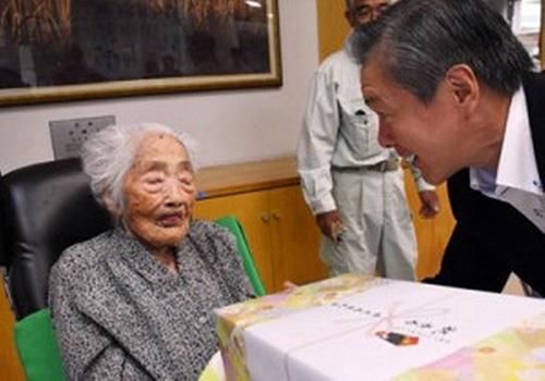 پیرترین انسان در زمین از دنیا رفت (عکس)