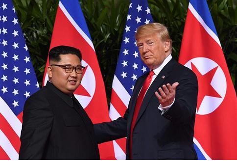 تصاویر و جزئیات دیدار دونالد ترامپ و رهبر کره شمالی