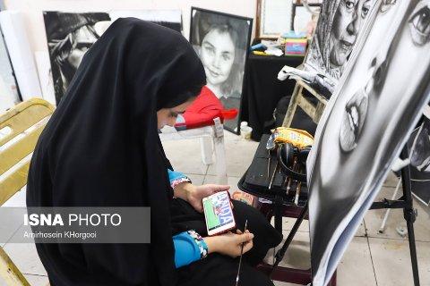زنان و دختران ایرانی در حال تماشای بازی ایران و مراکش (عکس)