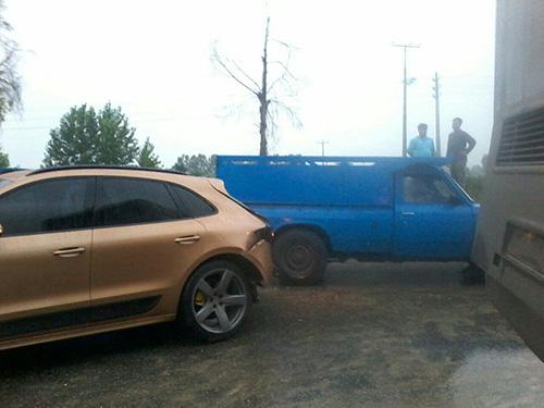 سردار آزمون تصادف کرد و مجروح شد (عکس)