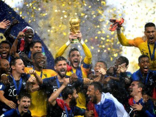 دزدی در مراسم اهدای جام جهانی 2018 (عکس)