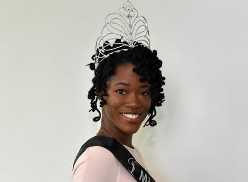 برای اولین بار یک سیاهپوست دختر شایسته انگلیس شد (عکس)