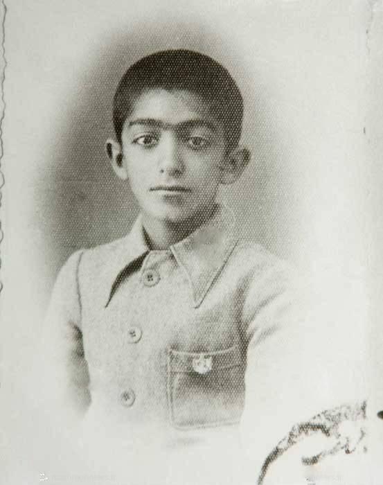 بیوگرافی و عکس های کودکی و جوانی عزت الله انتظامی