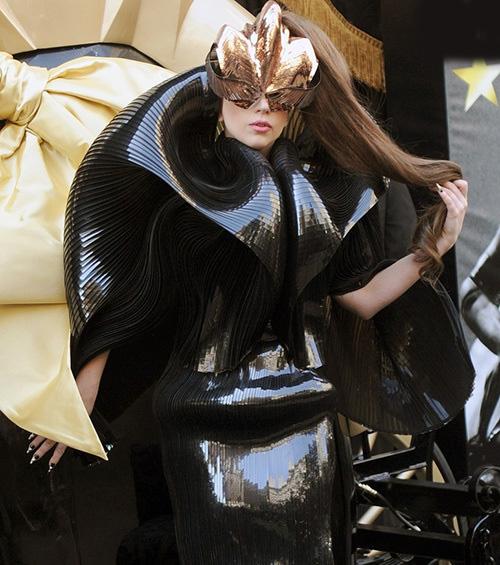 لباس های سلبریتی ها،لباس مسخره سلبریتی ها،مدل لباس سلبریتی ها،مدل لباس بازیگران،لیدی گاگا