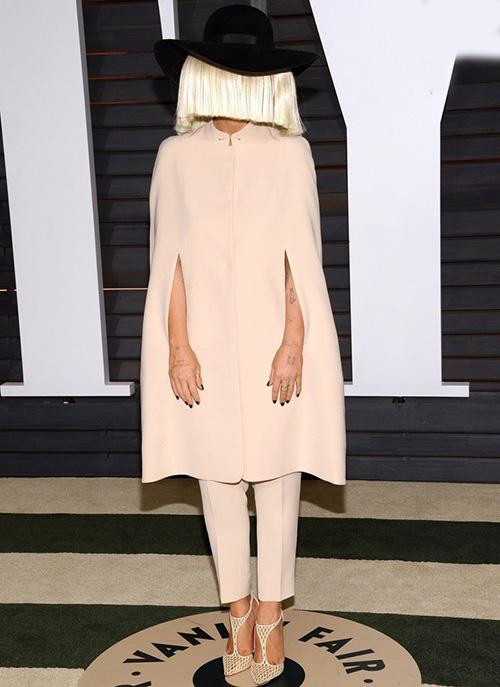 لباس های سلبریتی ها،لباس مسخره سلبریتی ها،مدل لباس سلبریتی ها،مدل لباس بازیگران،سیه را
