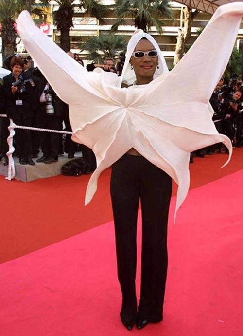 لباس های سلبریتی ها،لباس مسخره سلبریتی ها،مدل لباس سلبریتی ها،مدل لباس بازیگران،گریس جونز