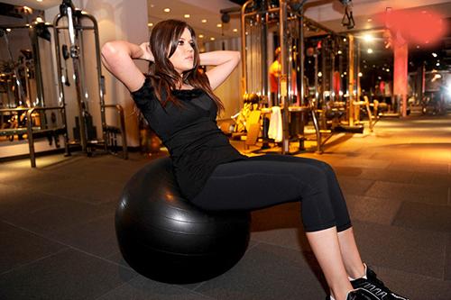 خانمهای خوش اندام هالیوود و توصیه های ورزشی آنها (عکس)