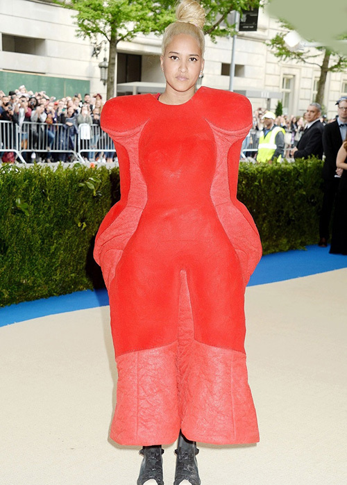 لباس های سلبریتی ها،لباس مسخره سلبریتی ها،مدل لباس سلبریتی ها،مدل لباس بازیگران،هلن لاسیچان