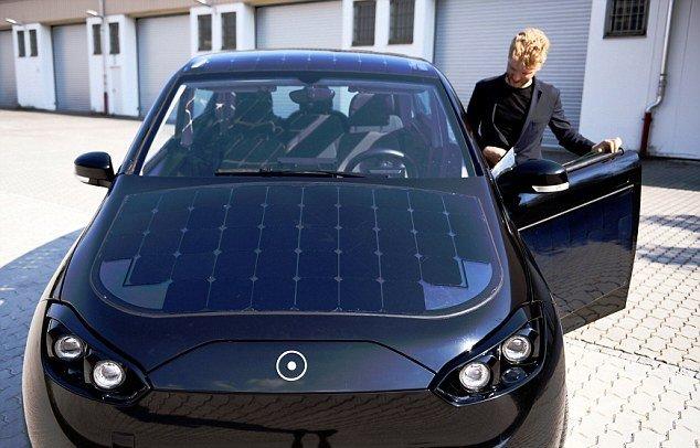 شگفت انگیزترین خودرو خورشیدی رونمایی شد + تصاویر